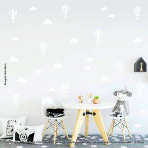Kit Cartela Adesivo Decorativo Infantil Nuvens e Balões Mod:957